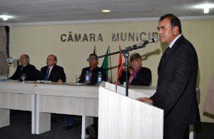 CELE-300x196 Vice prefeito Celecileno Alves leva mensagem do executivo à câmara no retorno do recesso