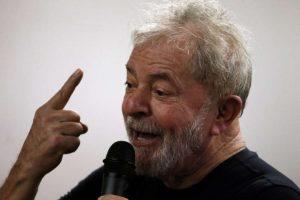 LULA-1-300x200 Lula nunca cogitou substituir candidatura, diz advogado