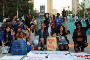 Mulheres-Negras-Rovena-Rosa-Agência-Brasil-696x463-300x200 Mulheres negras de JP saem em cortejo contra o racismo