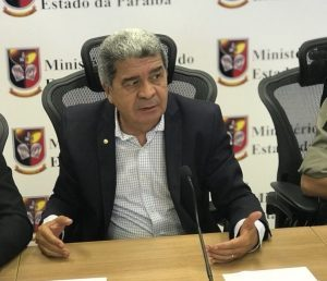 Osvaldo-Lopes_promotor-300x258-300x258 MP investiga gastos com diárias e locação de carros em Câmara de Vereadores