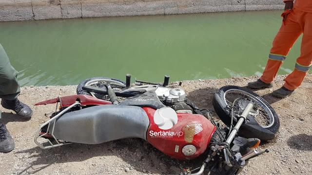 accident-2161956_960_720-1 Moto é achada dentro de canal da transposição em Sertânia