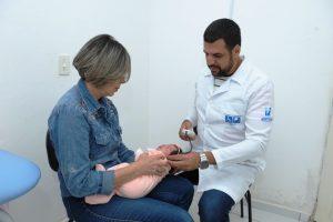 teste-da-orelhinha1-300x200 Pioneiro na região, CER II oferece teste gratuito da orelhinha em Monteiro
