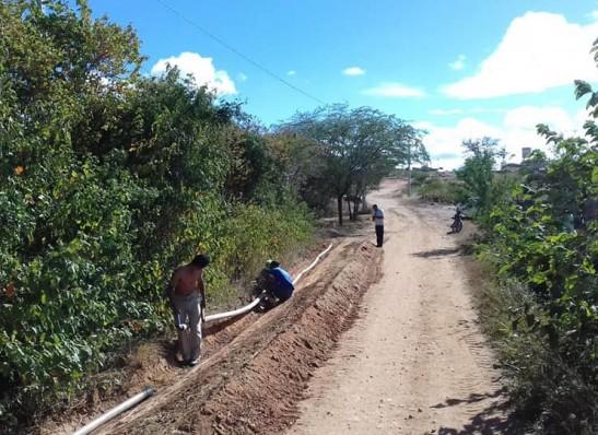 timthumb-15 Prefeitura de Zabelê implanta sistema de abastecimento em comunidade rural