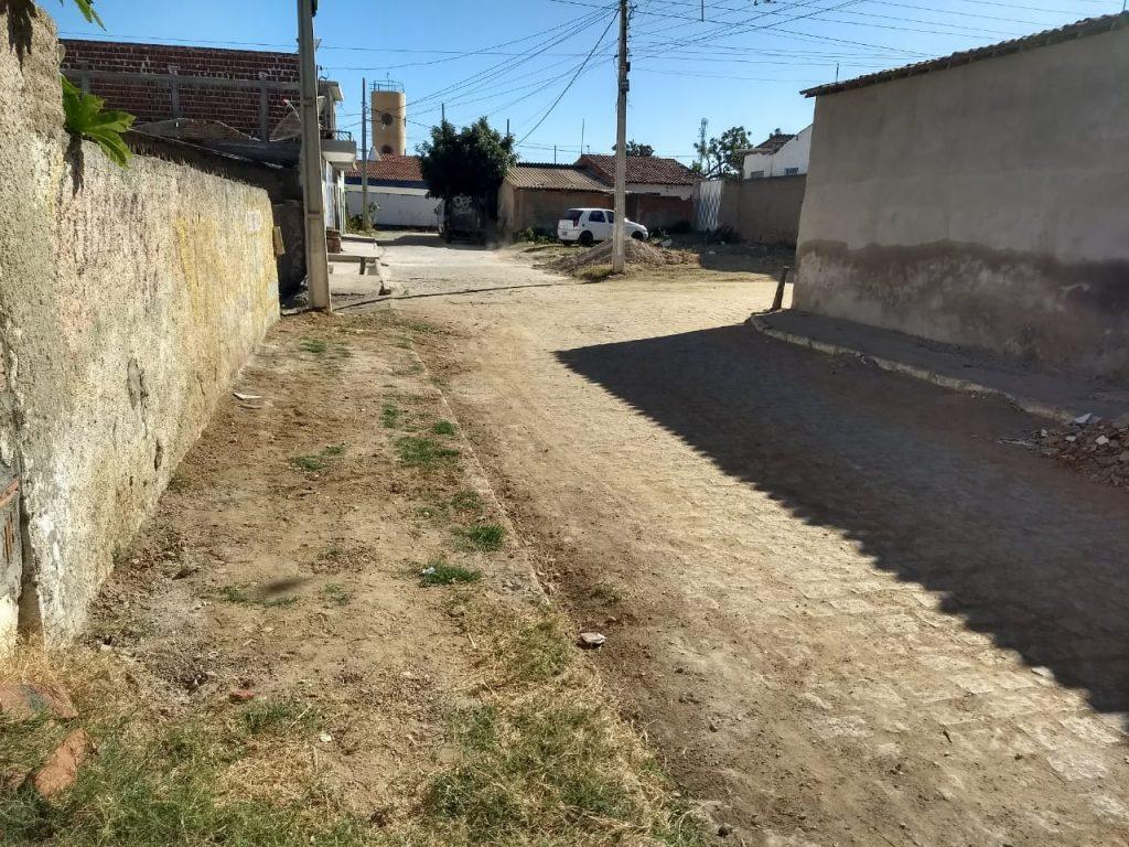 """ba530ff0-cf02-45d2-96f4-77e07dd31dca-1024x768 Rua do """"arame"""" em Monteiro dá exemplo de cidadania com ruas limpas.."""