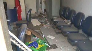 banco-600x337-300x169 Grupo explode agência e invade correspondente bancário no Cariri