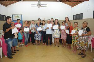 brasil-alfabetizado_conclusao_vila-lafayete6-300x199 Alunos do Brasil Alfabetizado da cidade de Monteiro comemoram conclusão do curso