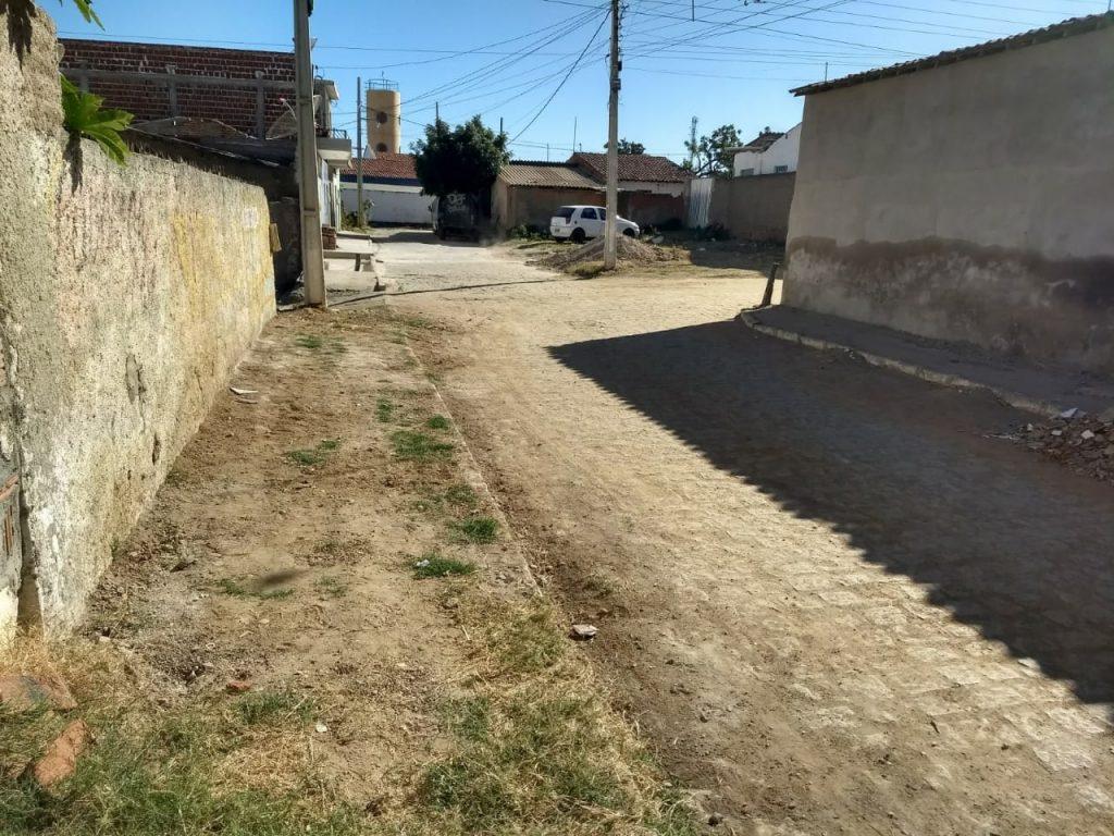 """cfbc1480-da40-4845-9084-83a6adc27c49-1024x768 Rua do """"arame"""" em Monteiro dá exemplo de cidadania com ruas limpas.."""