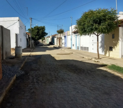 """rua Rua do """"arame"""" em Monteiro dá exemplo de cidadania com ruas limpas.."""