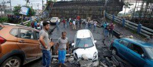 2018-09-04t140842z_1031894970_rc18023ffe10_rtrmadp_3_india-collapse-1-300x133 Desabamento de ponte na Índia deixa 25 feridos