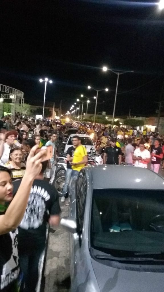 IMG-20180920-WA0067-576x1024 Eleitores de Bolsonaro realizam carreata pelas ruas de Monteiro