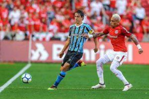 a812f4c1aba27667c5085866777df07a-300x200 BRASILEIRÃO: Inter vence GreNal e volta à liderança; Flu e Palmeiras triunfam em clássicos