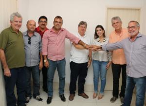 batinga-300x218 Batinga, João e Ricardo realizam arrastão e comício nesta sexta, em Monteiro