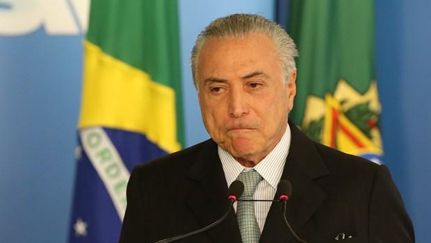 temer-preocupado Michel Temer aceita convite de Bolsonaro para ser enviado especial ao Líbano