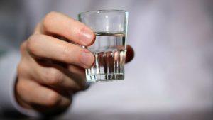 vodka-20143101-original-300x169 EM SUMÉ: Homem que deu licor a primo adolescente pega 2 anos de prisão