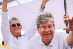 07-10-2018.234112_Joao-2-300x200 João Azevêdo é eleito governador com mais de um milhão de votos
