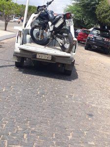 IMG-20181016-WA0034-225x300 Em Monteiro: Moto tomada de assalto é encontrada abandonada
