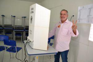 Z-1-300x200 Carlos Batinga vota e comenta processo de inelegibilidade