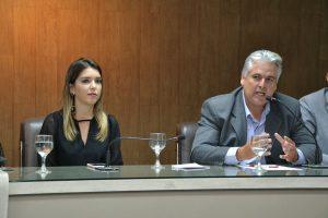 cajo-menezes-e-ana-lorena-300x200 Vereador Cajó solicita 500 cisternas junto ao Ministério da Integração