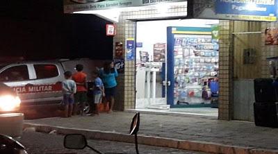 léo Dupla assalta farmácia em Monteiro