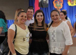 timthumb-1-4-300x218 Prefeita Anna Lorena parabeniza professores pelo seu dia