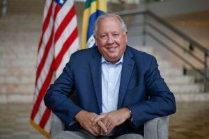 15428484355bf5ffb3a9cd5_1542848435_3x2_lg-300x200 Bolsonaro deve abrir mercado brasileiro aos EUA, diz ex-embaixador
