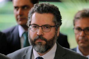 Embaixador-Ernesto-Araújo-será-ministro-das-Relações-Exteriores-de-Bolsonaro-300x200 Embaixador Ernesto Araújo será ministro das Relações Exteriores de Bolsonaro