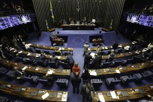 Senado-300x200 Senado recua mudança na Ficha Limpa