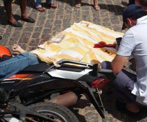 assassinato_adriantonio_2-300x249 Dupla mata secretário de infra-estrutura em pleno centro da cidade de Parari