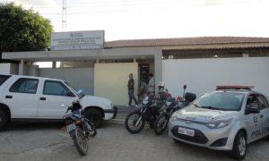 delegacia_regional-300x180 Em Monteiro: Homem comete suicídio dentro da Delegacia
