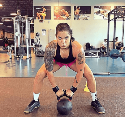 AAM-1-404x380 Amanda Nunes será maior lutadora da história se vencer Cyborg, aposta noiva