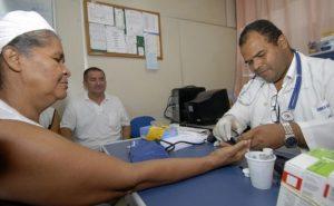 Cubanos-Mais-Médicos-300x185 'Mais Médicos' reabre oito vagas na Paraíba, incluindo cidade do Cariri, após desistências