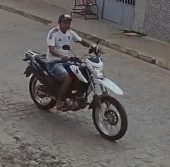 IMG-20181203-WA0178 Câmera de segurança flagra homem furtando celular em Monteiro