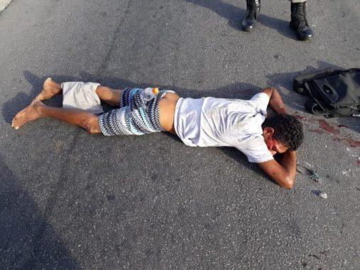 assaltante-507x380 Assaltante é apedrejado e levado ao Trauma em estado grave após tentar assaltar ônibus