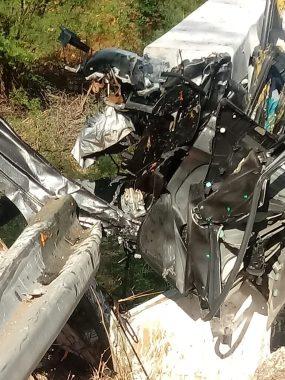 b473bd95-9fe7-4238-abb4-e1fa076d5f2d-285x380 Três pessoas morrem e duas ficam gravemente feridas em acidente no Cariri