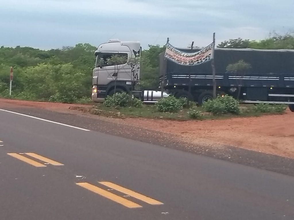 carreta-de-dorval.jpeg-2-1024x768 Bandidos assaltam Carreteiro Monteirense no Piauí