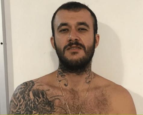"""pistoeiro-475x380 Conhecido como """"FUZIL"""" homem é preso acusado de matar mais de 200 pessoas em Caruaru"""