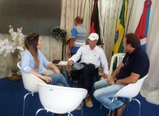 timthumb-1-520x378 Prefeita de Monteiro realiza atendimentos ao público na Feira da Caprinovinocultura
