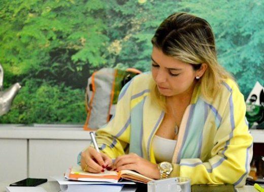 timthumb-9-520x378 Prefeitura de Monteiro antecipa salários e começa pagamento nesta quarta-feira
