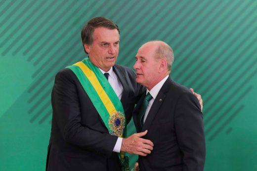 15469110695c33fd5d33918_1546911069_3x2_rt-520x347 Bolsonaro recua e desiste de base americana no Brasil