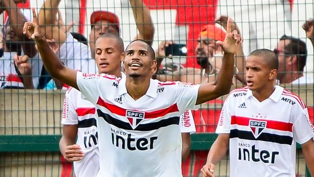 20190125_sao_paulo_x_vasco_032-520x293 São Paulo leva susto, mas vence o Vasco nos pênaltis e conquista o título da Copinha