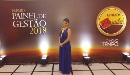 Clara-2-520x301 Gerente do Armazém Paraíba filial Monteiro recebe prêmio Top 10