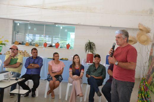 Reunião-Associações27-520x347 Prefeita Anna Lorena se reúne com presidentes de associações rurais do município de Monteiro