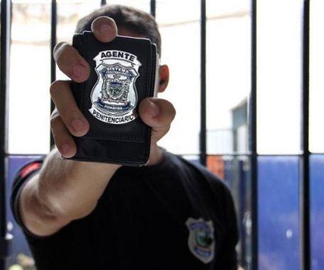 agente-penitenciario-456x380 Estado paga Prêmio Paraíba Unida pela Paz aos agentes penitenciários