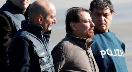aviao-battisti-14012019094322747-520x284 Battisti ficará em isolamento por um ano em prisão na Sardenha P