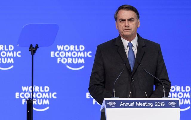 bolsonaro-02-520x326 'Se ele errou e isso ficar provado, eu lamento como pai, mas ele vai ter que pagar', diz Bolsonaro