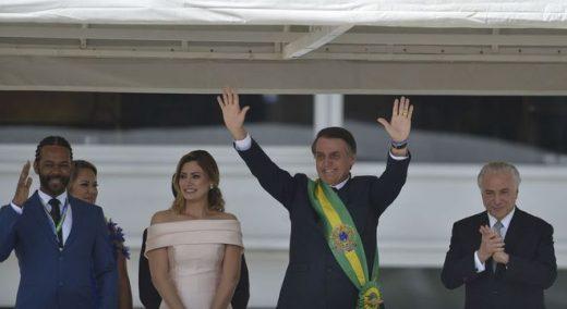 posse-bolsonaro-01012019172333555-520x284 Bolsonaro chega ao Palácio do Planalto e recebe faixa presidencial