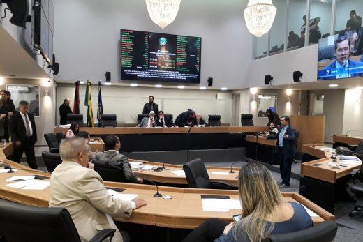 sessao_da_alpb-520x347 ALPB: Oposição adia reunião para quarta