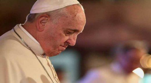 t-1-1-520x286 Pedofilia 'enfraqueceu' credibilidade da Igreja Católica, diz Papa Francisco