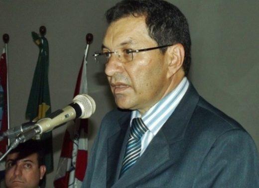 timthumb-1-520x378 Ex-prefeito Aristeu Chaves é mantido na coordenação do Procase