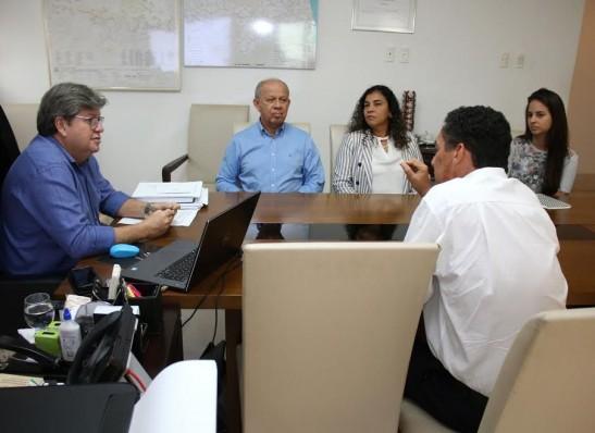timthumb-10-520x378 João Azevêdo anuncia criação de 53 escolas integrais